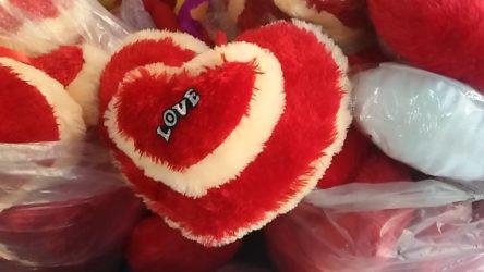Valentine gift wholesale bazar