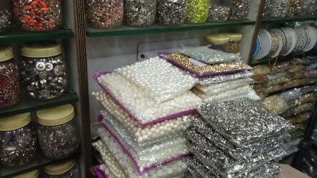 Stones and moti wholesale in kinari bazar